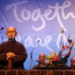 1365762600-zen-master-thich-nhat-hanh-gives-a-public-dhamma-talk-in-bangkok_1945285