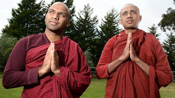 Sri Lankan monks donate blood from Narre Warren North base