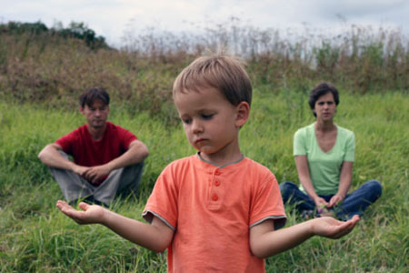 Mindful vs. Helicopter Parenting