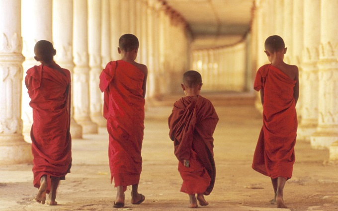 young-buddhist-monks-cambodia